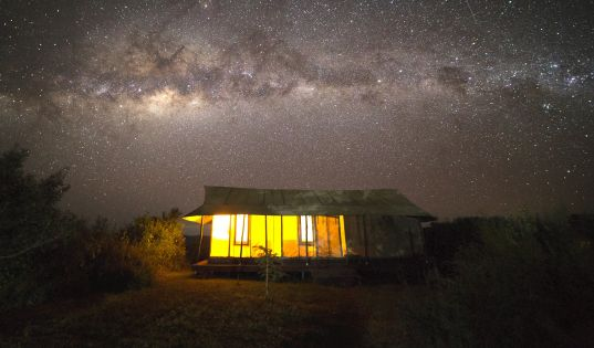 Under a blanket of stars, on the edge of a volcanic crater. A little bit like heaven, we think. Entamanu Ngorongoro.