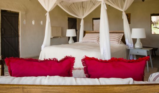 The rooms at Lamai Serengeti are designed to blend and complement our unique location on the Kogakuria Kopje.