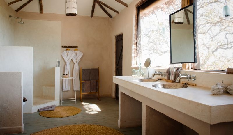 Lots of light and everything you need in your en-suite bathroom.