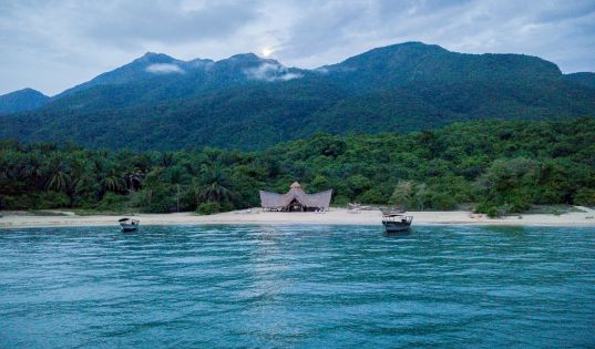 The white sand beach, backed by the Mahale Mountains. There really is no where in the world like Greystoke Mahale.